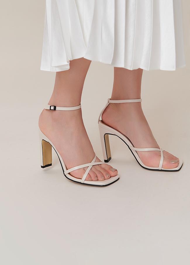 (4SSH057)6042方形皮条/束带凉鞋